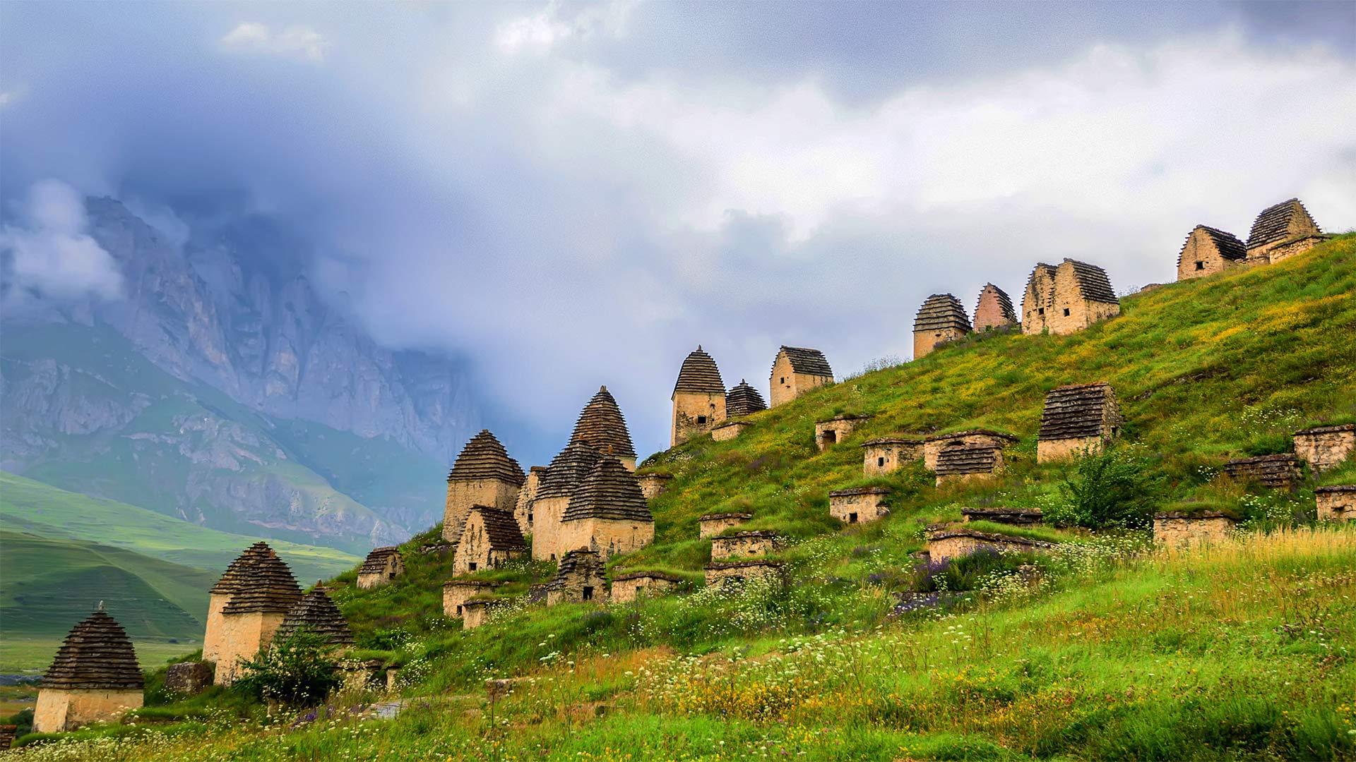 北奥塞梯-阿兰共和国的一片墓地,俄罗斯 (© Yakov Oskanov/Shutterstock)