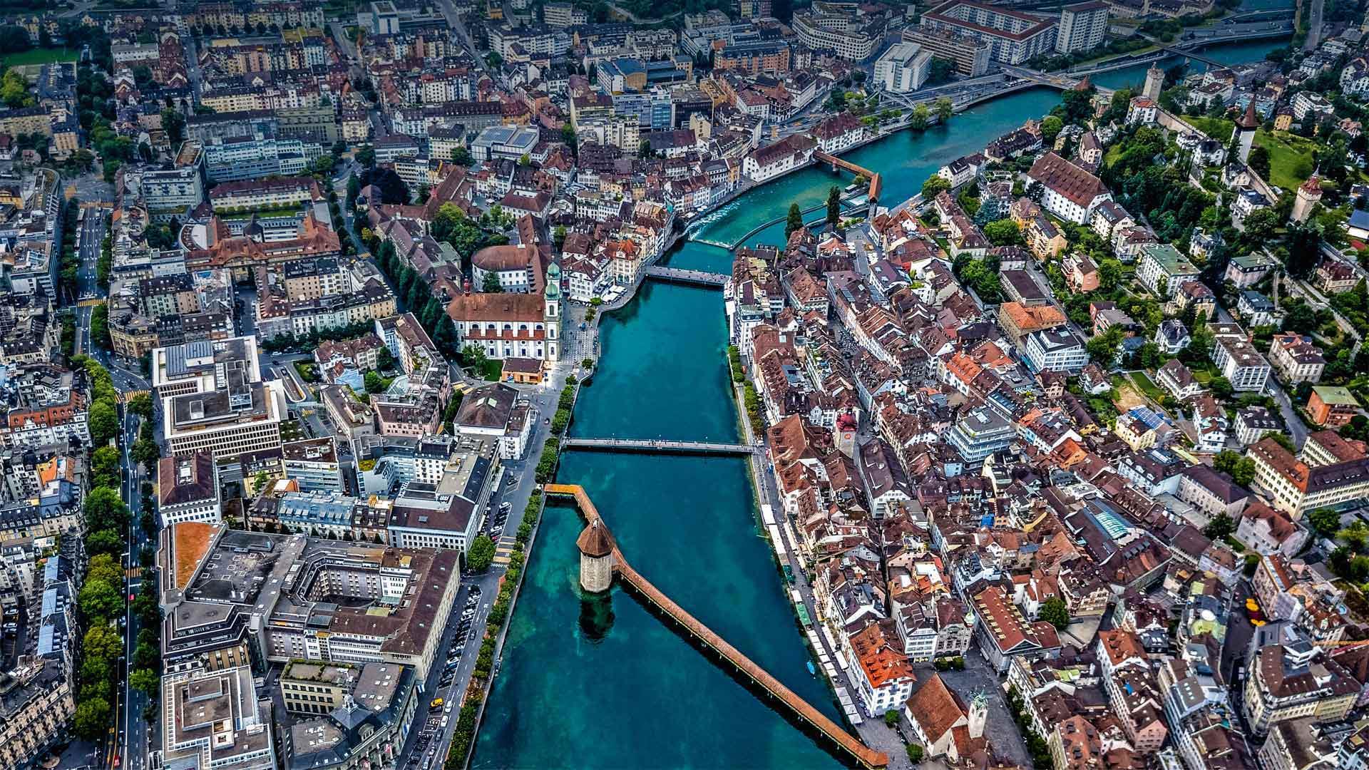 Aerial view of Chapel Bridge over the river Reuss in Lucerne, Switzerland (© Neleman Initiative/Gallery Stock)