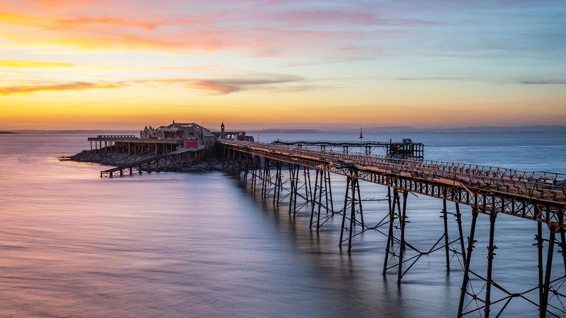 布里斯托尔海峡的伯恩贝克码头,英国滨海韦斯顿北索美塞得 (© Stephen Davies/Adobe Stock)