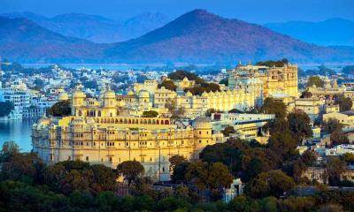 2021.07.25 - 皮丘拉湖畔的乌代布尔城市宫殿,印度