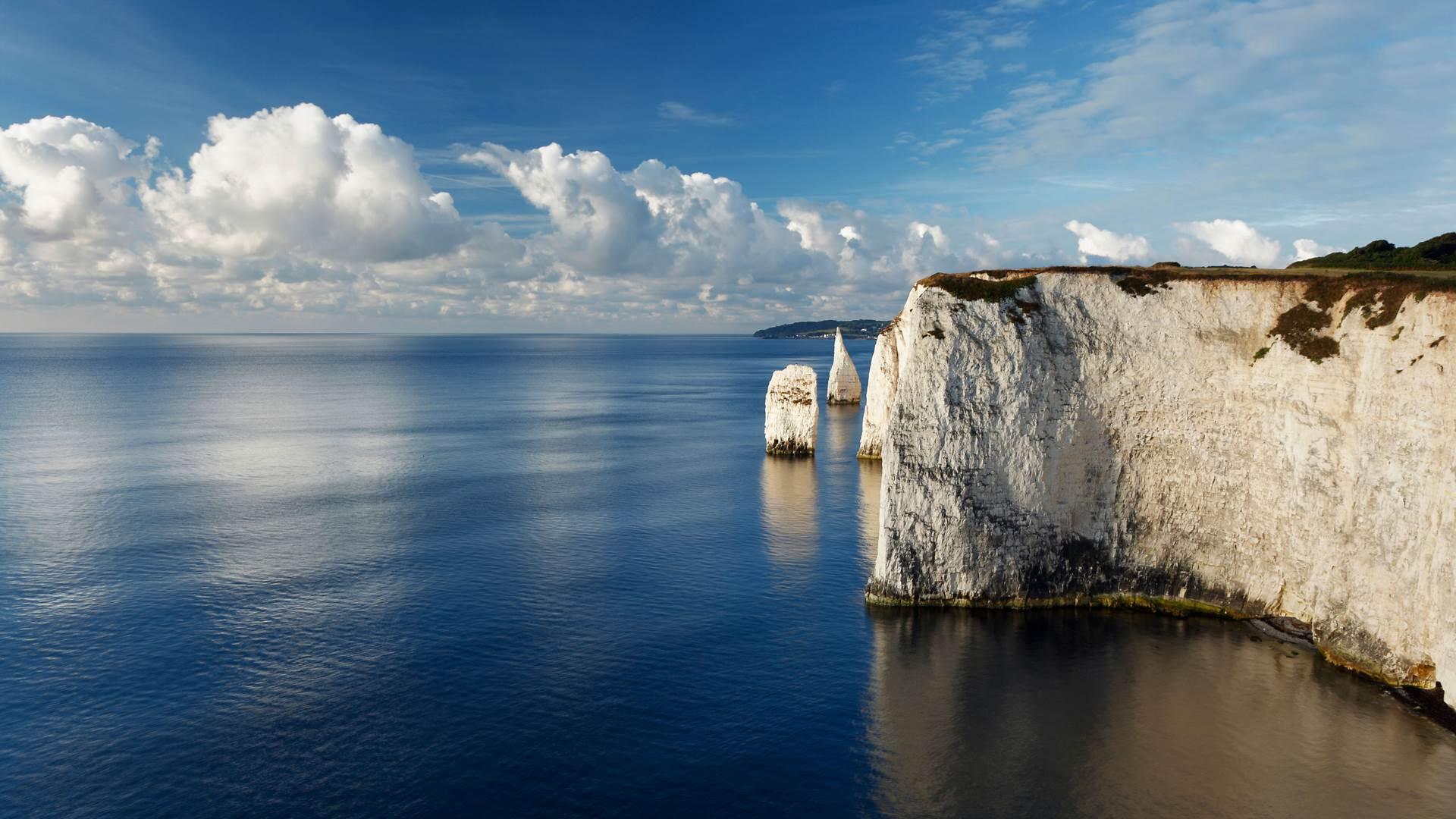 波白克岛的小尖塔岩石,英格兰多塞特