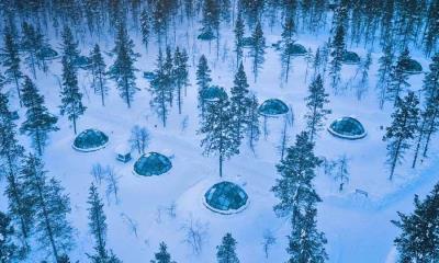 卡克斯劳塔宁阿克蒂克度假酒店的玻璃圆顶冰屋,芬兰萨里山
