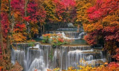 Khuean Srinagarindra国家公园的Huay Mae Khamin瀑布,泰国