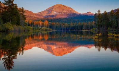 森火山国家公园中的拉森峰,加利福尼亚