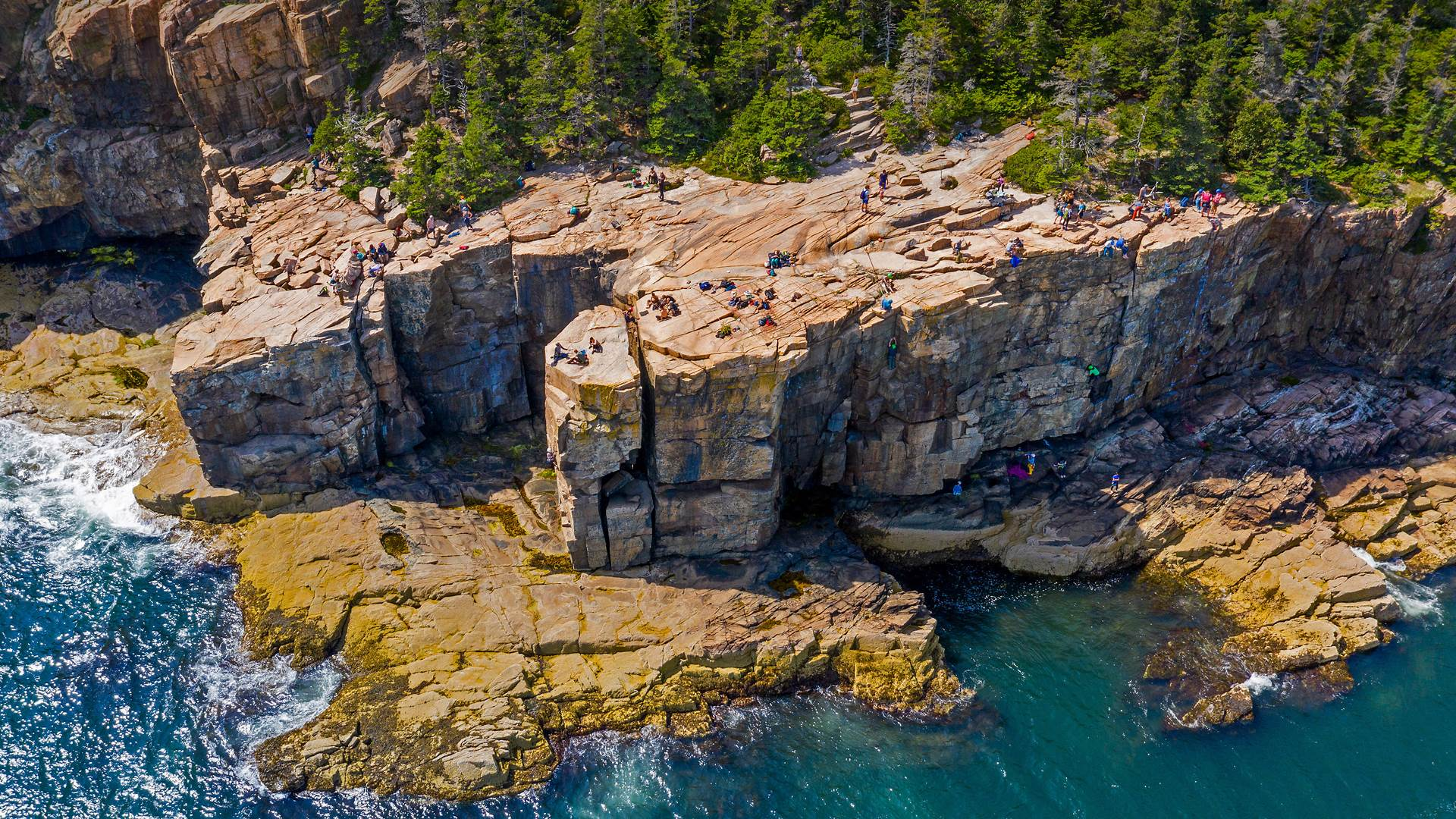 阿卡迪亚国家公园里的水獭悬崖,缅因州