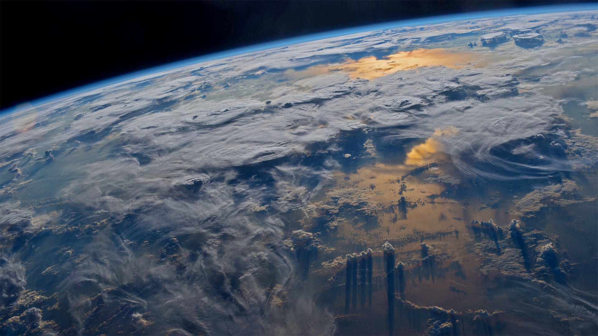 宇航员杰夫·威廉姆斯在国际空间站拍摄到的地球 (© Jeff Williams/NASA)