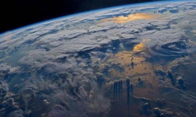 2021.04.12 - 宇航员杰夫·威廉姆斯在国际空间站拍摄到的地球